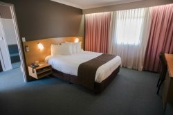 Comfortable beds at the Best Western Hospitality Inn Kalgoorlie