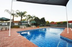 Hospitality Kalgoorlie's relaxing pool and BBQ Area